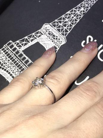 Серебрянное кольцо 925 пробы