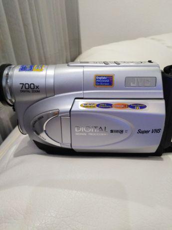 Продаётся видеокамера JVC