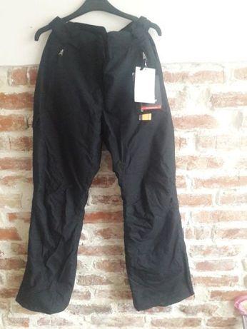 Nowe spodnie narciarskie. Cena w sklepie 349, 99!40 (M)narty snowboard
