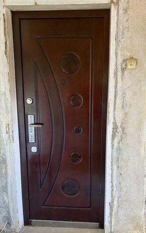 Металическая входная дверь