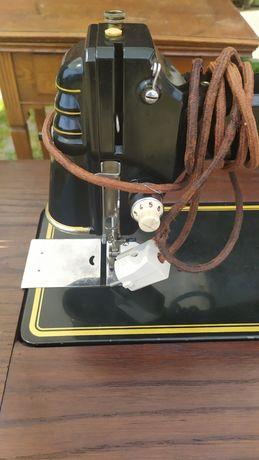 Elektryczna maszyna do szycia Victoria