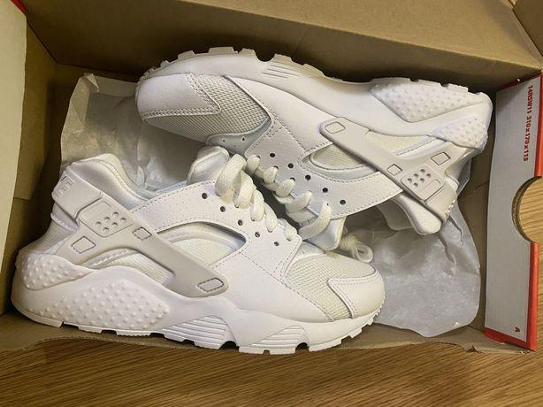 Кросовки Nike Huarache р. 35, US 5.5