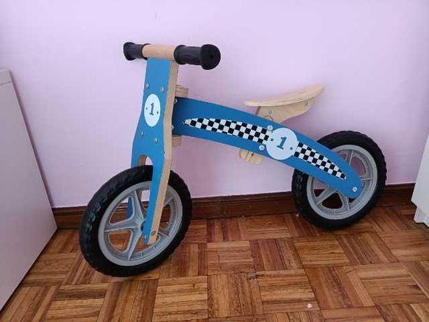 Bicicleta de equilíbrio em Madeira