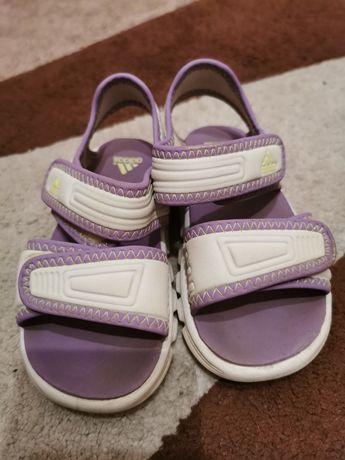 Sandały Adidas r. 22