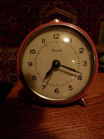 Часы будильник Витязь,СССР механика