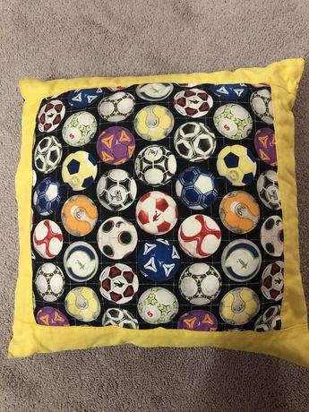 Poduszka jasiek w piłki tanio