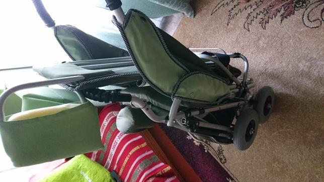 Продам недорого коляску для детей с ограниченими возможностями