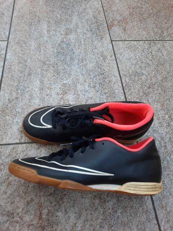 Halówki Nike Mercurial r.40