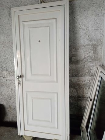 Porta Exterior, Como nova, em painel isotérmico