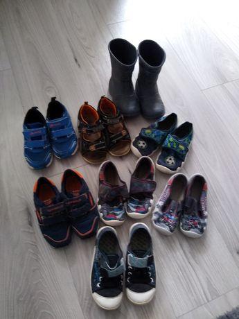 Buty sportowe, sandały, gumowce