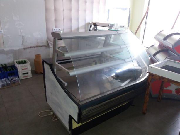 Vitrines Refrigeradas Jordão Cafe / Pasteleria