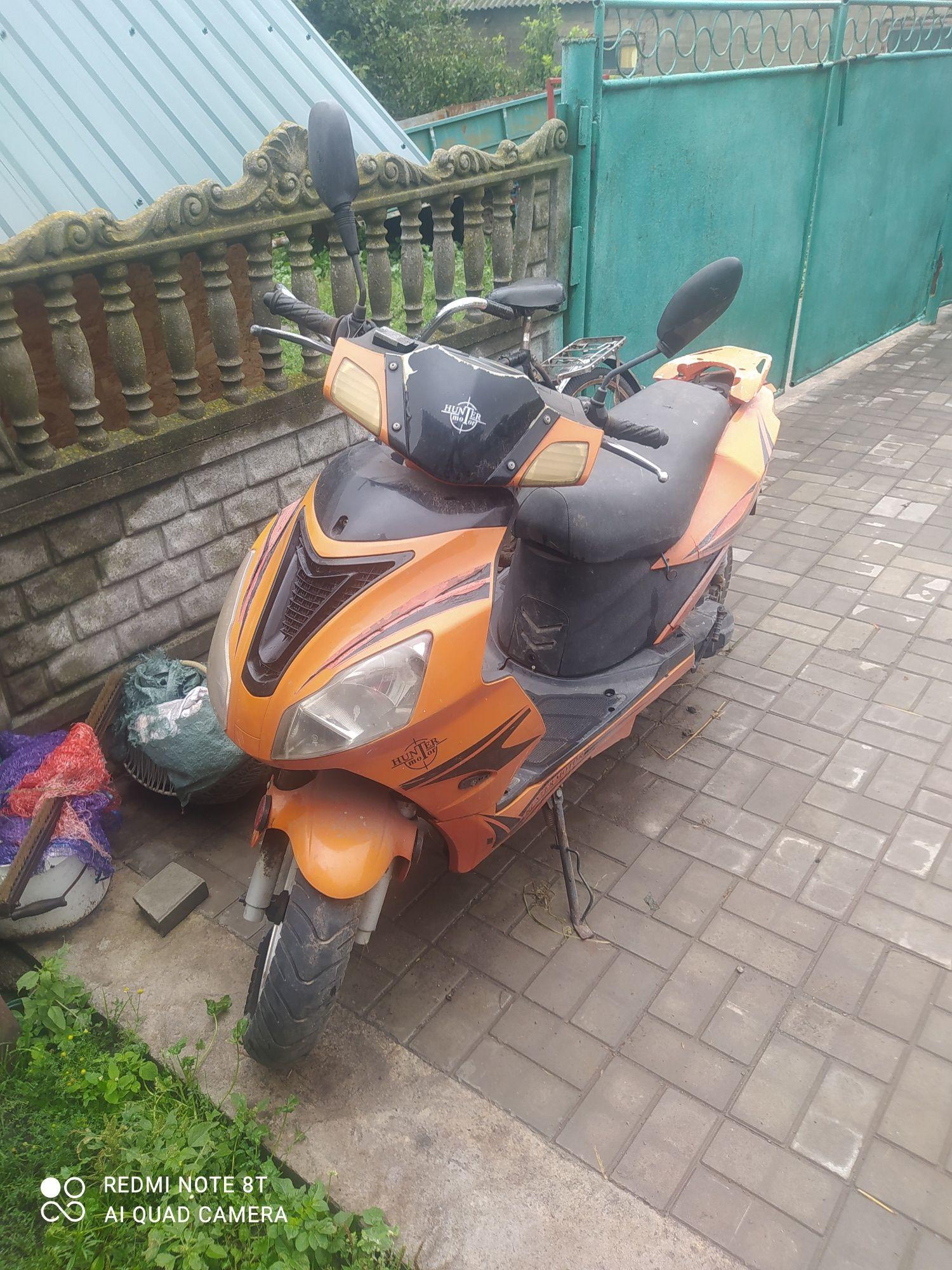 Продам скутер японець