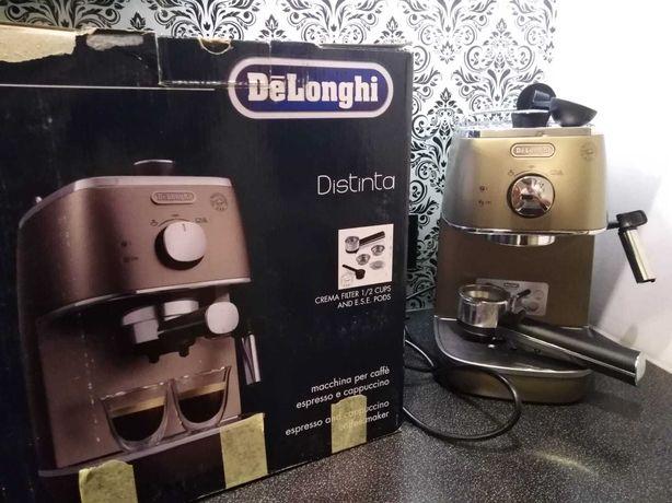 Ekspres do kawy ciśnieniowy DeLonghi Distinta - jak nowy