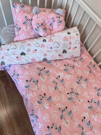 Продам  великолепный комплект в детскую кроватку