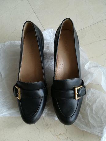 Sapatos pretos de Senhora - MADE IN - Nº 37