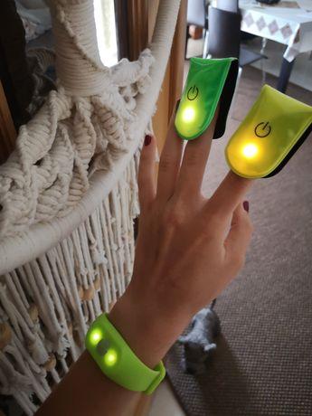 Pulseira led de pulso com luz e duas em íman