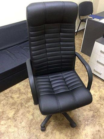 Кресло руководителя кожаное. Компьютерное кресло