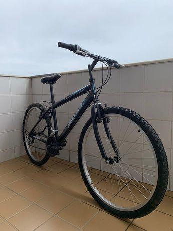 Bicicleta com pouco uso