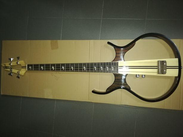 Guitarra baixo silent