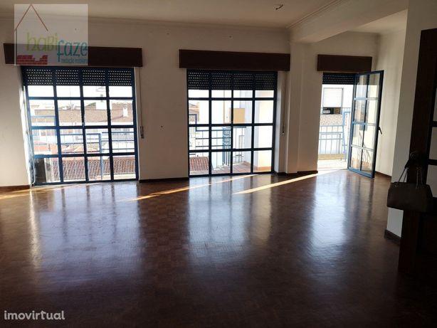 Vende-se apartamento T3, único em Beja