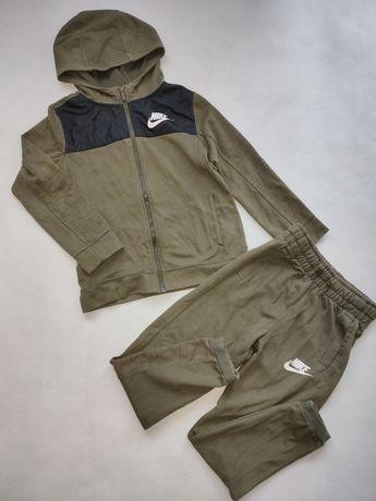 Nike Dresy dla chłopca r. 140/146
