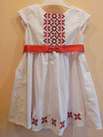 Платье-вышиванка на 1,5-2 годика