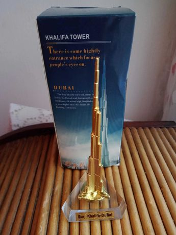 Продам новую статуэтку Burj Khalifa Dubai.
