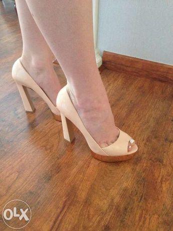 Cieliste sandały ZARA