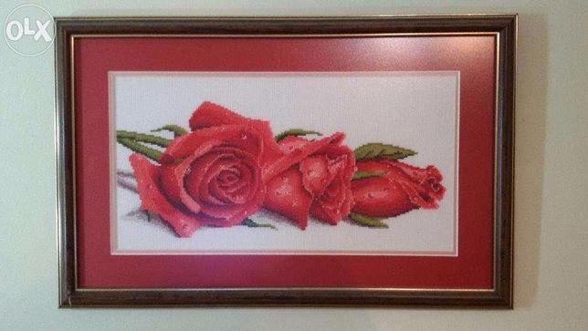 Продам вишиту картину ''Червоні троянди''