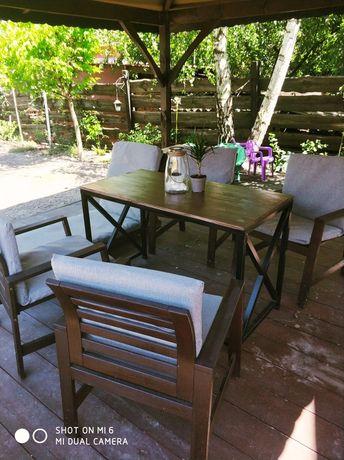 Komplet ogrodowy, stół i cztery krzesla