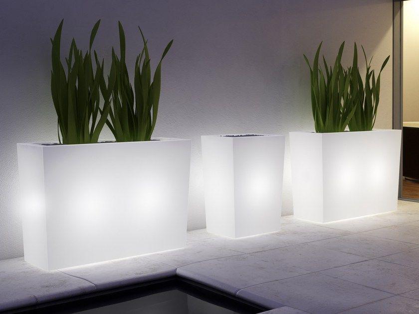 Vasos com iluminação decorativa