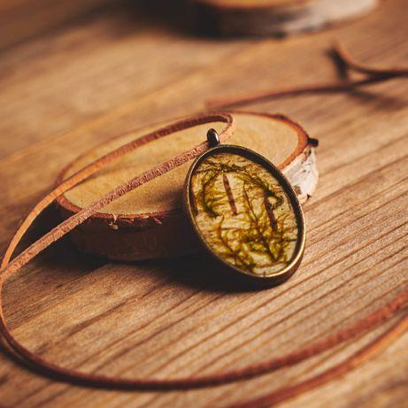Naszyjnik handmade, leśny wisiorek z żywicy, biżuteria na Święta