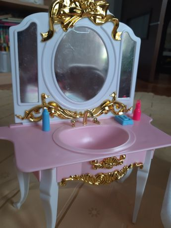 Kpl toaletka i łazienka dla lalek Barbie
