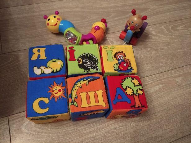 Игрушки,пазлы, кубики