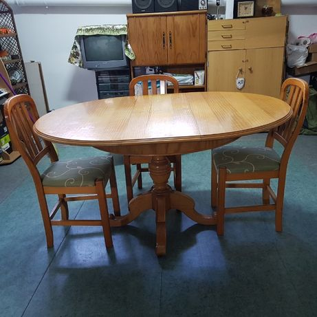 Mesa Extensível (inclui 3 cadeiras) 143 cm x 79,5 cm