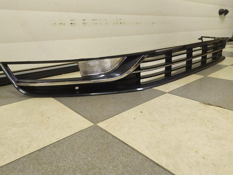 Решетки переднего бампера комплект VW Passat B7 USA 11-14 г.в. Белая Церковь - изображение 1