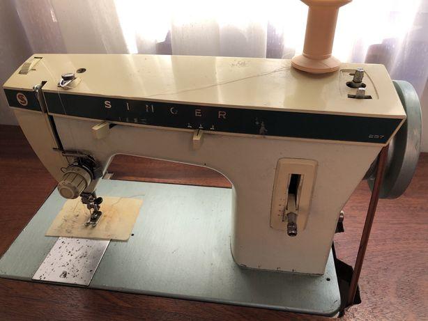 maquina de costura Singer modelo 257