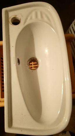 Umywalka ceramiczna 50X25X9cm.