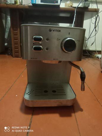 Продам кофеварку Vitek