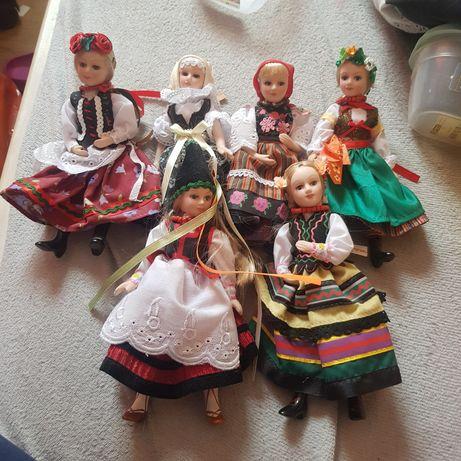 Lalki porcelanowe w strojach regionalnych