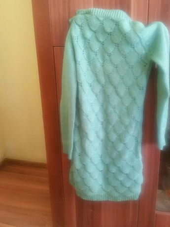 Sweter szmaragdowy z ażurem