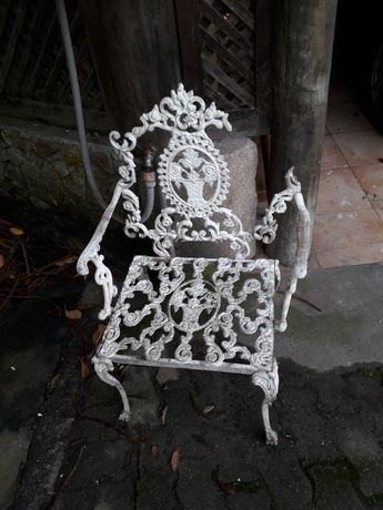 Cadeira alumínio de jardim com dano
