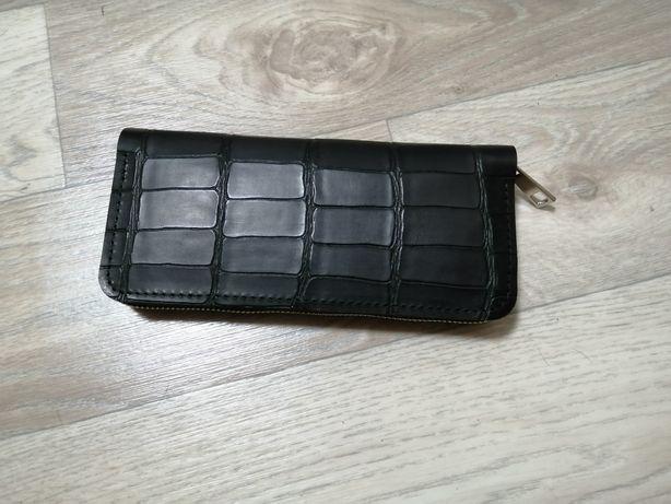 Кожаный клач кошелёк на молнии