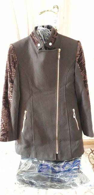 Жіночі пальта