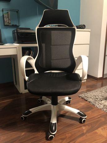 Fotel biurowy ,biało -czarny