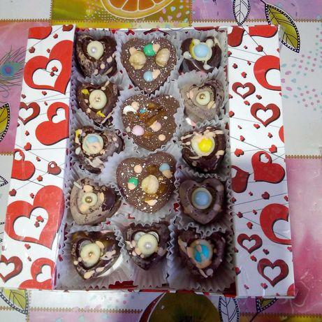 Подарочные Шоколадные конфеты ручной работы.