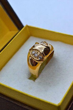 Ładny Złoty Pierścionek z Cyrkoniami HQ