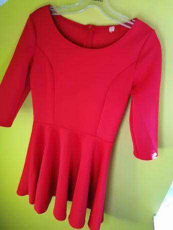 Czerwona sukienka rozkloszowana S/36