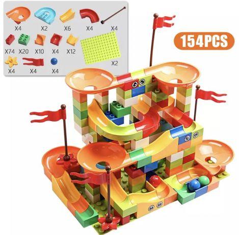 Klocki kompatybilne z lego duplo, zestaw zawiera 154 elementy