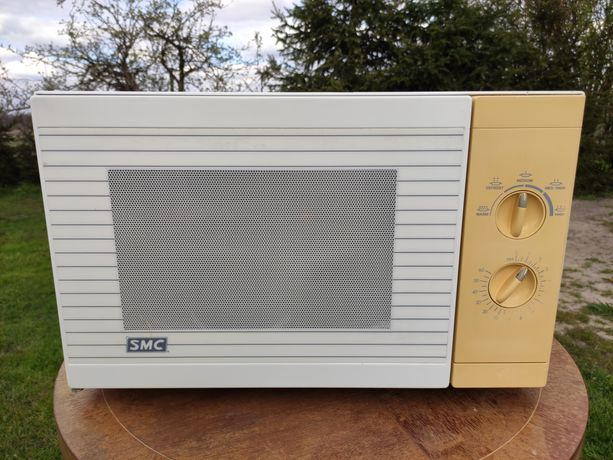 Duża kuchenka mikrofalowa SMC